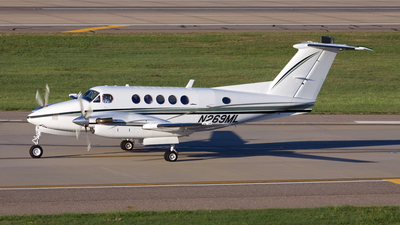 A picture of N269ML - Beech 200 Super King Air - [BB760] - © Michael Durning
