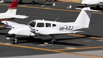 VH-KZJ - Piper PA-44-180 Seminole - Airflite