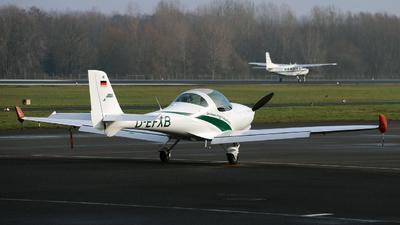 D-EFXB - Aquila A210 - RWL - German Flight Academy
