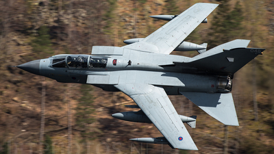 ZA557 - Panavia Tornado GR.4 - United Kingdom - Royal Air Force (RAF)