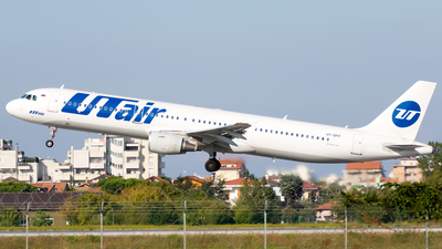 VP-BPP - Airbus A321-211 - UTair Aviation