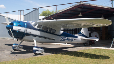 ZK-BEB - Cessna 195 - Private