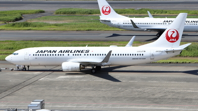 A picture of JA324J - Boeing 737846 - Japan Airlines - © Star.M