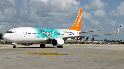 C-GTVG - Boeing 737-8Q8 - Sunwing Airlines