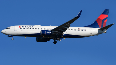 A picture of N3737C - Boeing 737832 - Delta Air Lines - © Matt Lino