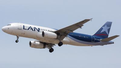 A picture of CCCQM - Airbus A320233 - LATAM Airlines - © Aldo Martinelli