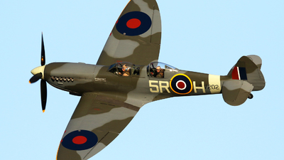 G-CCCA - Supermarine Spitfire Mk.XI - Private