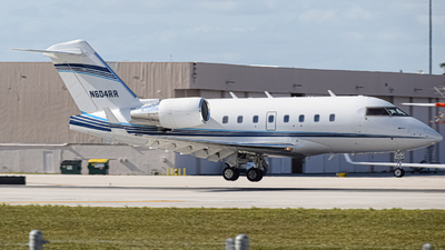 N604RR - Bombardier CL-600-2B16 Challenger 604 - Private