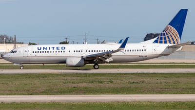 A picture of N78285 - Boeing 737824 - United Airlines - © Luke Ayers
