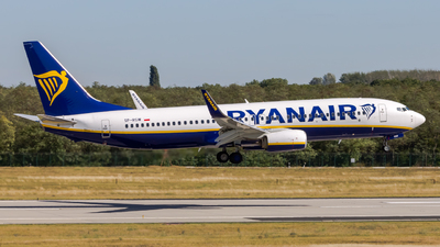 A picture of SPRSW - Boeing 7378AS - Ryanair - © Peter Tolnai