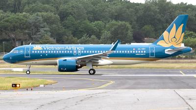 XA-VRY - Airbus A320-271N - Volaris