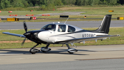 N328MC - Cirrus SR22-GTS - Private