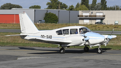 OO-SAB - Piper PA-23-250 Aztec - Private