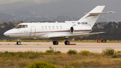 M-UKHA - Raytheon Hawker 800XP - Private