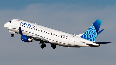 A picture of N620UX - Embraer E175LL - United Airlines - © Michael Place