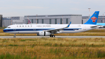 D-AZAD - Airbus A321-231 - China Southern Airlines