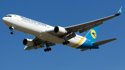 UR-GEA - Boeing 767-322(ER) - Ukraine International Airlines