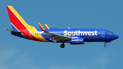 A picture of N7733B - Boeing 73776N - Southwest Airlines - © wangruoyao