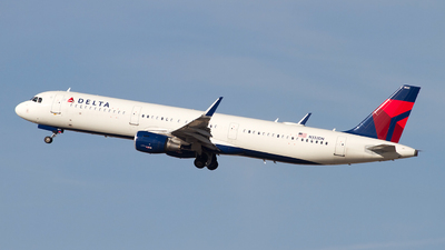 A picture of N332DN - Airbus A321211 - Delta Air Lines - © Jeremy D. Dando