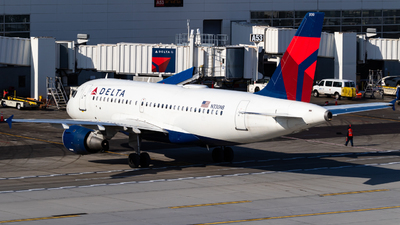 A picture of N330NB - Airbus A319114 - Delta Air Lines - © Alex Crail