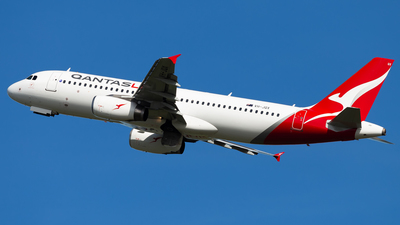 VH-JQX - Airbus A320-232 - QantasLink (Network Aviation)