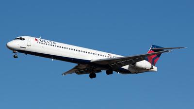 N927DN - McDonnell Douglas MD-90-30 - Delta Air Lines