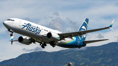 A picture of N577AS - Boeing 737890 - Alaska Airlines - © Cristian Quijano