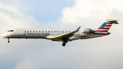 N710SK - Bombardier CRJ-701 - American Eagle (SkyWest Airlines)