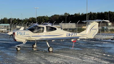 LN-FTY - Diamond DA-40NG Diamond Star - Pilot Flight Academy