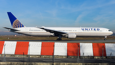 A picture of N66051 - Boeing 767424(ER) - United Airlines - © Luca Cesati