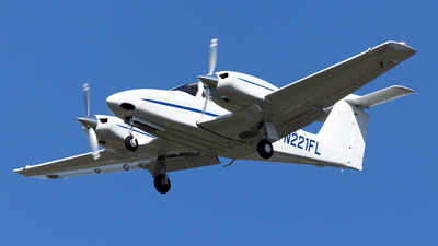 N221FL - Piper PA-44-180 Seminole - Private