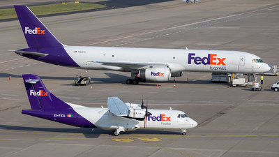 EI-FXA - ATR 42-300(F) - FedEx Feeder (ASL Airlines)