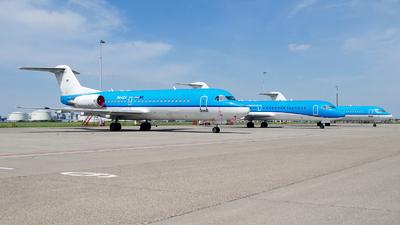 PH-KZA - Fokker 70 - Untitled