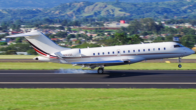 N162QS - Bombardier BD-700-1A10 Global Express - NetJets Aviation