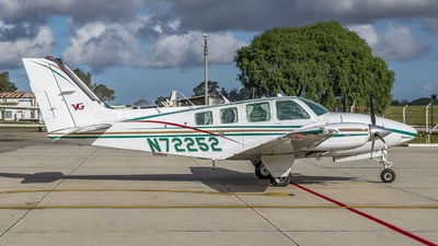 N72252 - Beechcraft 58 Baron - Private