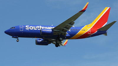N404WN - Boeing 737-7H4 - Southwest Airlines