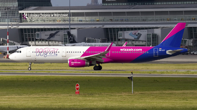 A picture of HALXI - Airbus A321231 - Wizz Air - © Rafal Pruszkowski