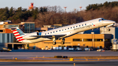 A picture of N690AE - Embraer ERJ145LR - American Airlines - © Elliott F Martin