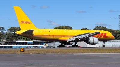 A picture of HP2010DAE - Boeing 75727A(PCF) - DHL - © Daniel Hernández J.