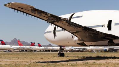 VH-OJH - Boeing 747-438 - Qantas