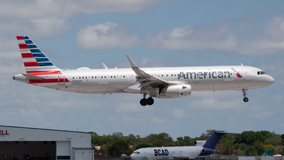 A picture of N993AN - Airbus A321231 - American Airlines - © Mark Lawrence