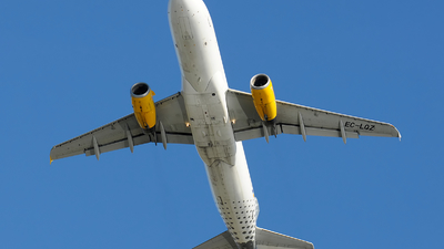 EC-LQZ - Airbus A320-232 - Vueling Airlines