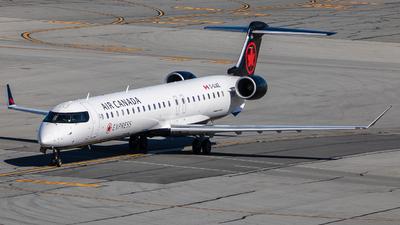 C-GJAZ - Bombardier CRJ-900LR - Air Canada Express (Jazz Aviation)