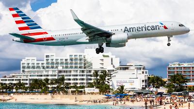 N173AN - Boeing 757-223 - American Airlines