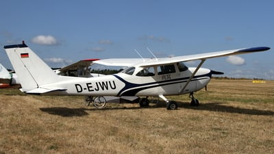 D-EJWU - Reims-Cessna F172H Skyhawk - Private