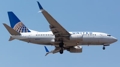 A picture of N23707 - Boeing 737724 - United Airlines - © Antonio Velasco (MAS Aviation Press)