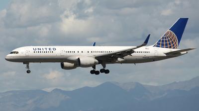 N587UA - Boeing 757-222 - United Airlines
