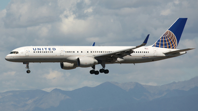A picture of N587UA - Boeing 757222 - United Airlines - © James Bruno