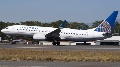 A picture of N78540 - Boeing 737824 - United Airlines - © Brian Boche