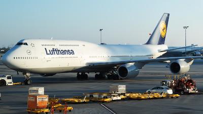 D-ABYU - Boeing 747-830 - Lufthansa